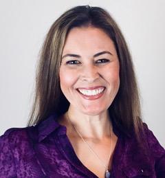 Melissa Sue Tucker Headshot Purple Shirt
